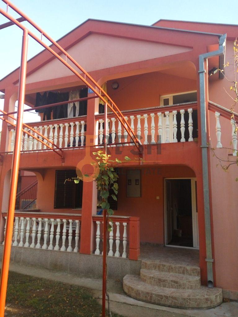 Podgorica, Zagorič, Kuća 200m2, Izdavanje - 1