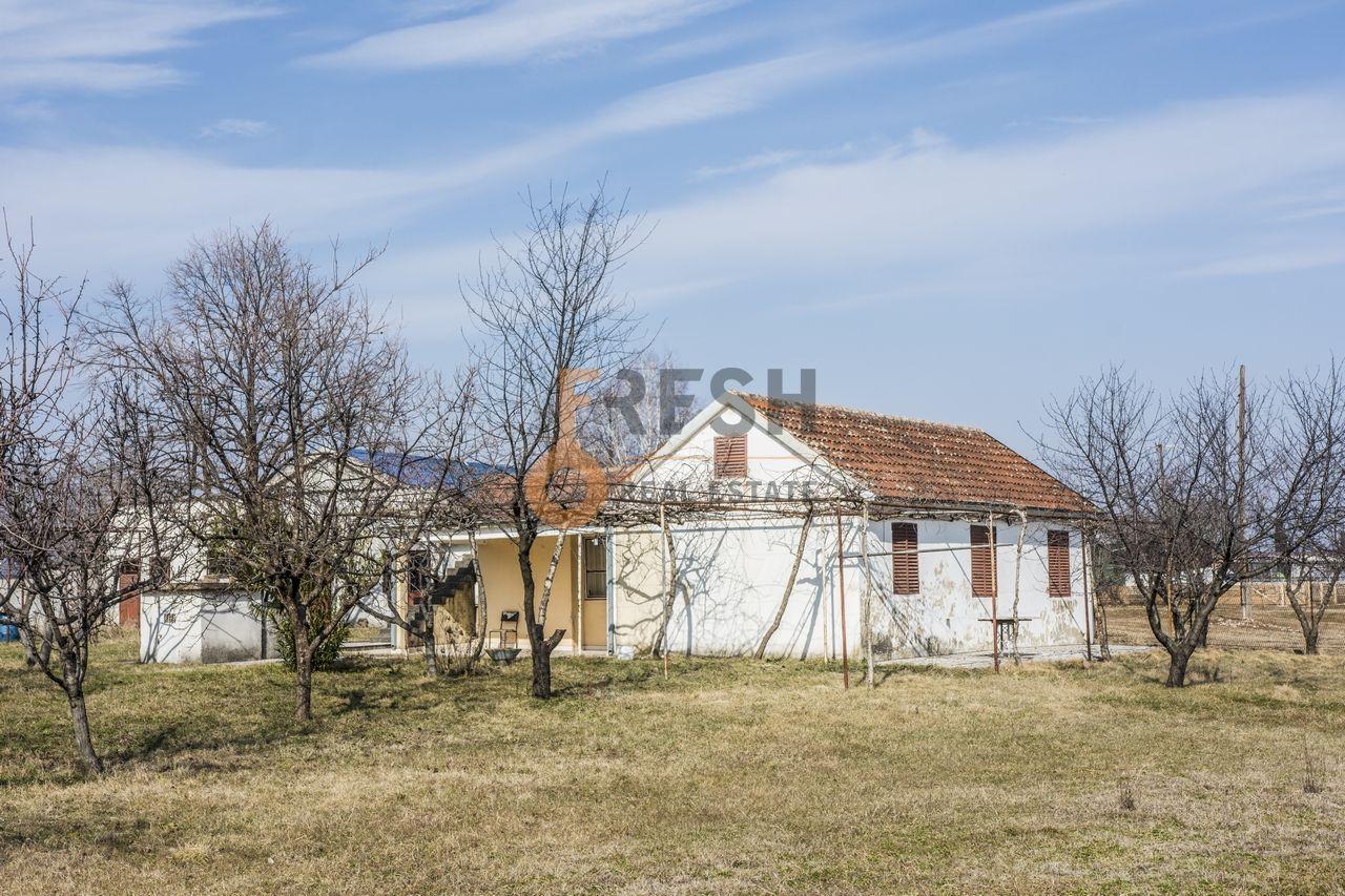 Kuća, 100m2, Plac 3.750m2, Zeta, Balijače, Prodaja - 1