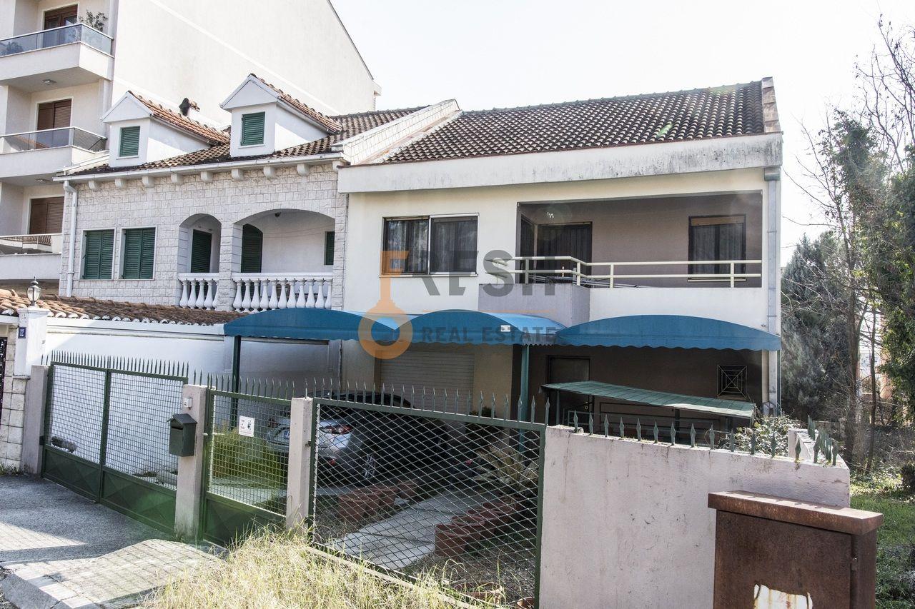 Namještena kuća, 180m2, Gorica C, Izdavanje - 1
