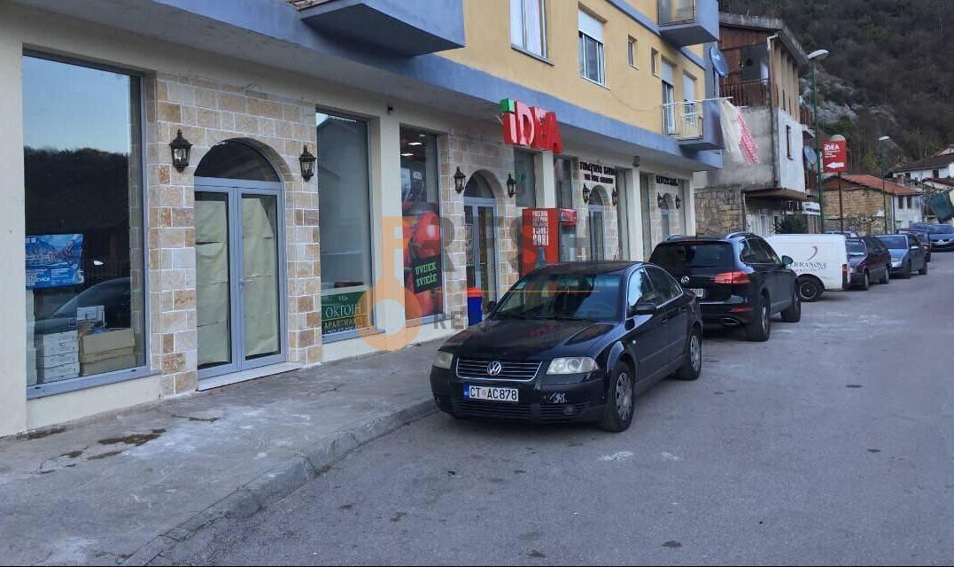 Poslovni prostor, 52m2, Rijeka Crnojevića, Prodaja - 1