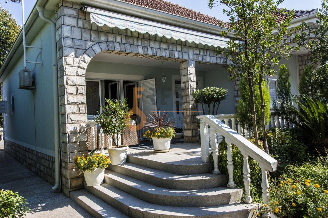 Kuće 263m2, Dalmatinska ulica, Izdavanje - 1