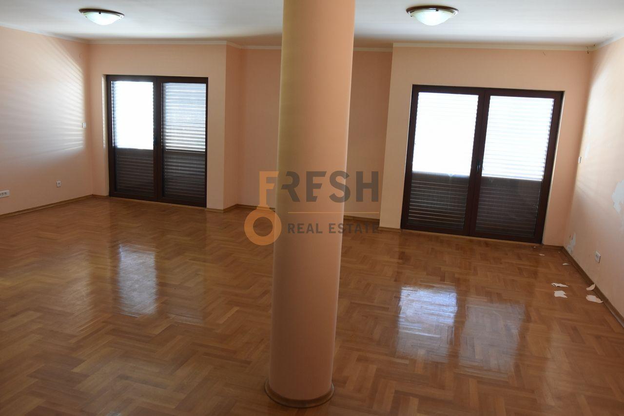 Podgorica, Stari Aerodrom, kuća od 450 m2, izdavanje - 1
