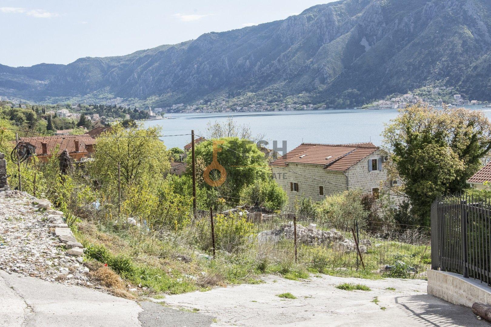 Urbanizovano građevinsko zemljište za gradnju vile, Dobrota, kotor - 1