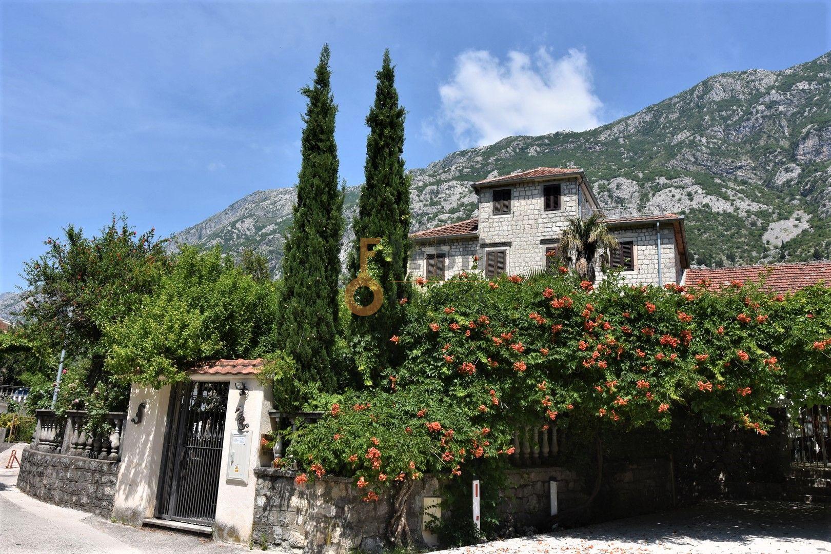 Kamena kuća, 380m2, Pogled na more, Kotor, Dobrota, Prodaja 1