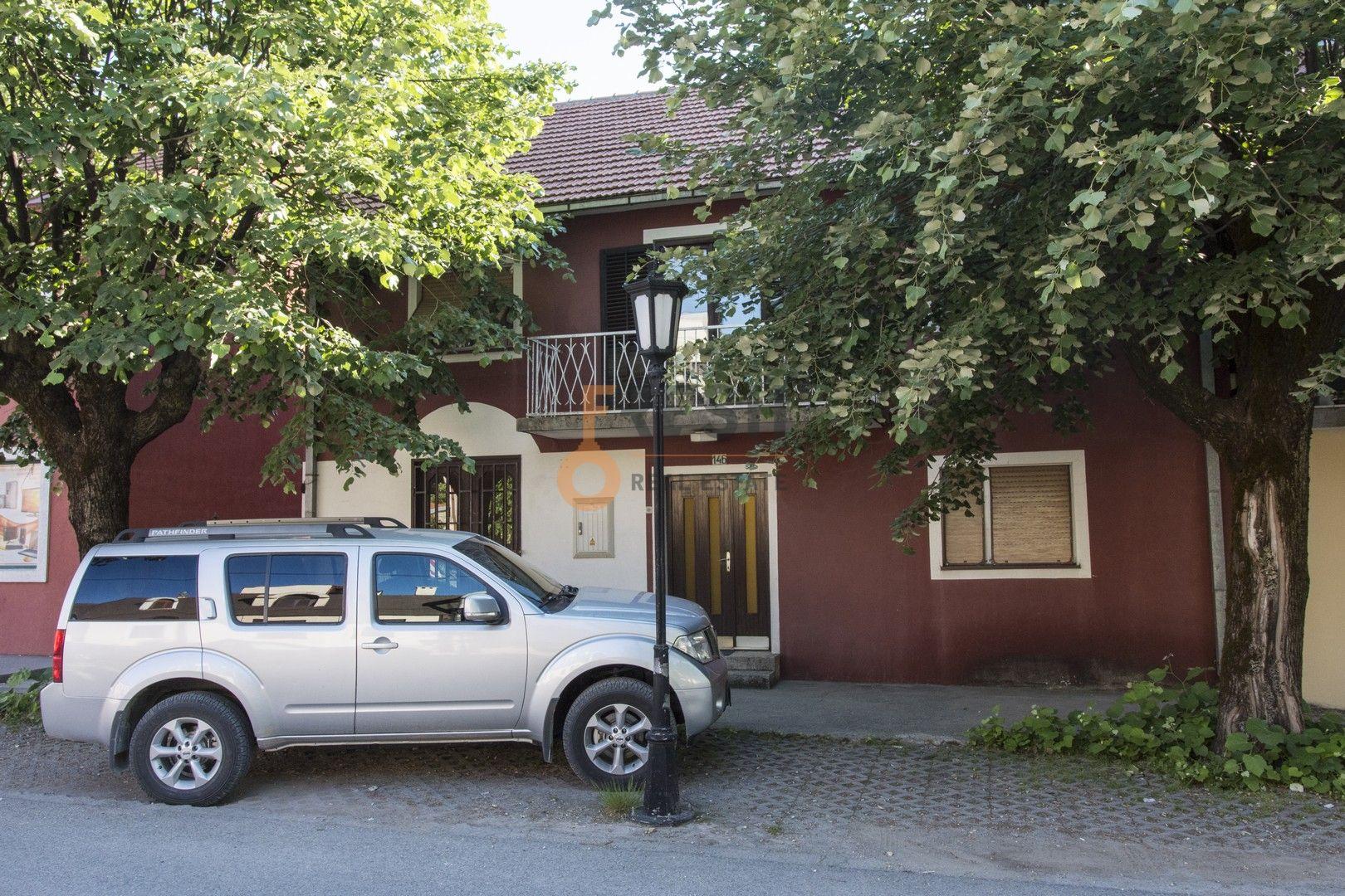Kuća, 200m2, Cetinje, Bajova ulica, Izdavanje - 1