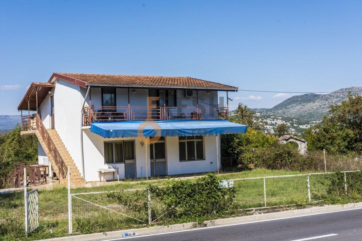 Kuca 200 m2, Cetinje-Meterizi, Izdavanje - 1