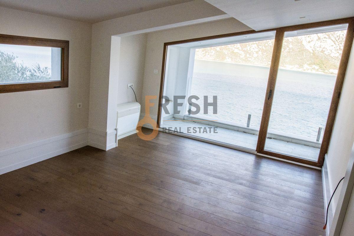 Luksuzna Villa u Boko-Kotorskom zalivu, 585,60 m2+400 m2 zemljista, Prodaja - 18
