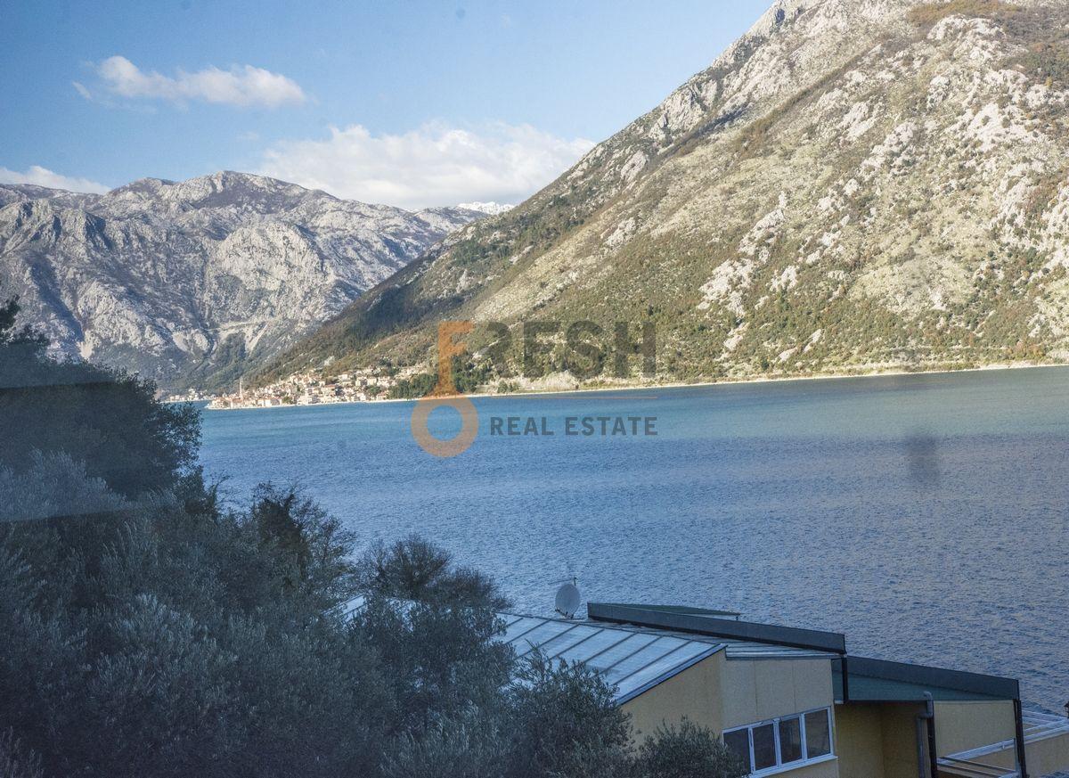 Luksuzna Villa u Boko-Kotorskom zalivu, 585,60 m2+400 m2 zemljista, Prodaja - 25