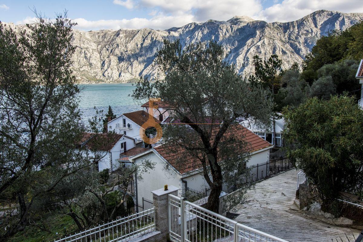 Luksuzna Villa u Boko-Kotorskom zalivu, 585,60 m2+400 m2 zemljista, Prodaja - 3