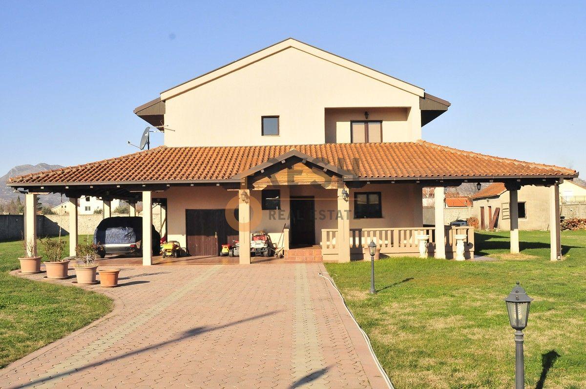 Kuća, 400 m2, Donja Gorica, Izdavanje - 1