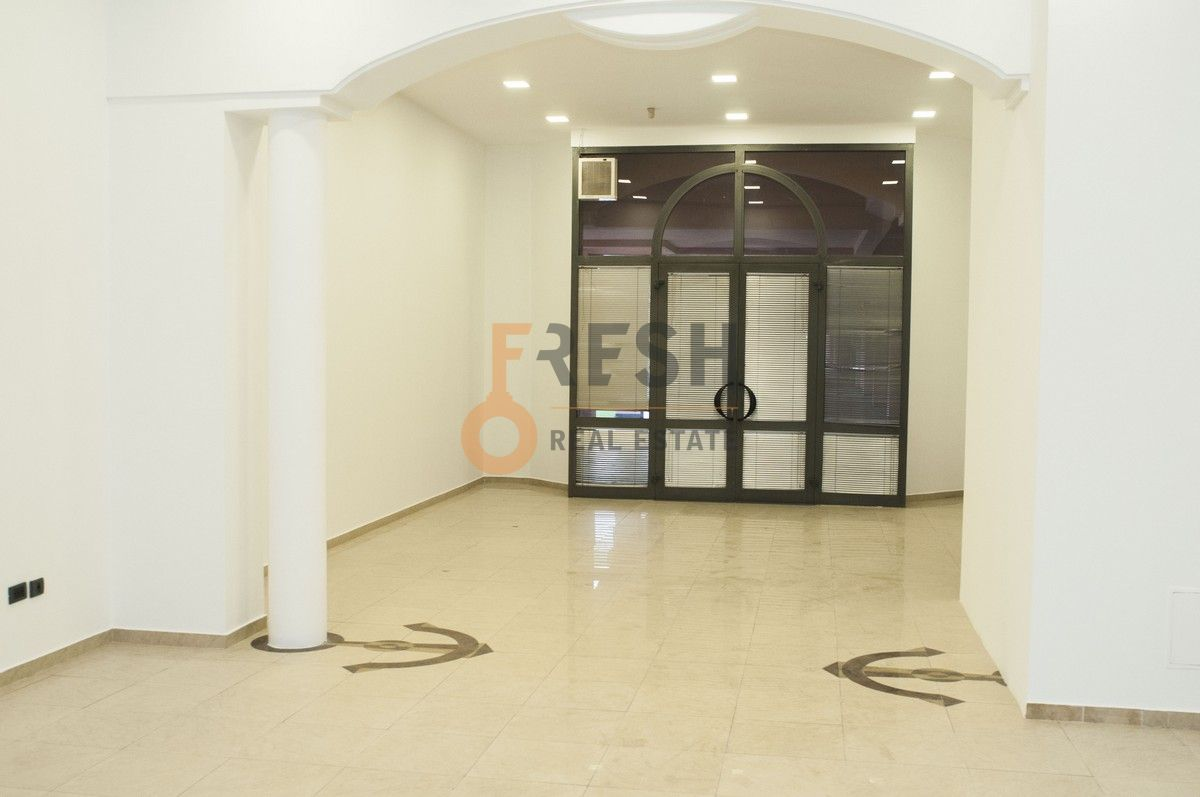 Poslovni prostor, 160m2, Preko Morače, Sređen, Izdavanje - 3