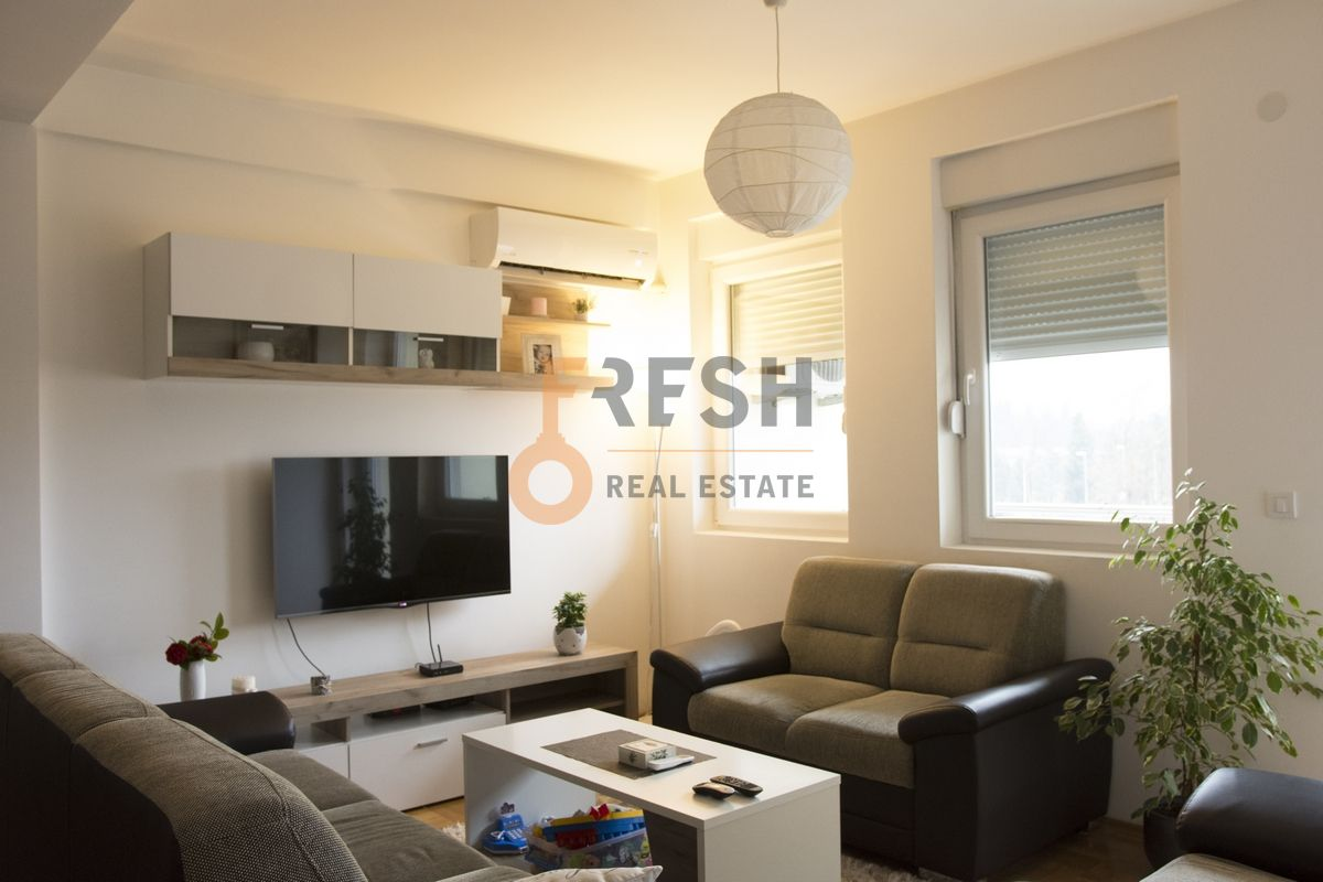 Dvosoban stan, 72 m2, Bar, Prodaja - 1