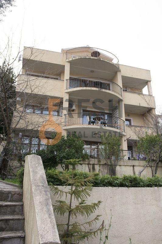 Vila na 4 etaže, Bečići - Budva, Prodaja - 1