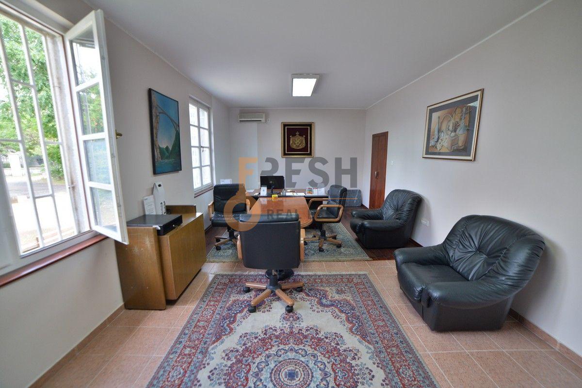 Poslovni prostor, 30 m2, Baston, Izdavanje - 1