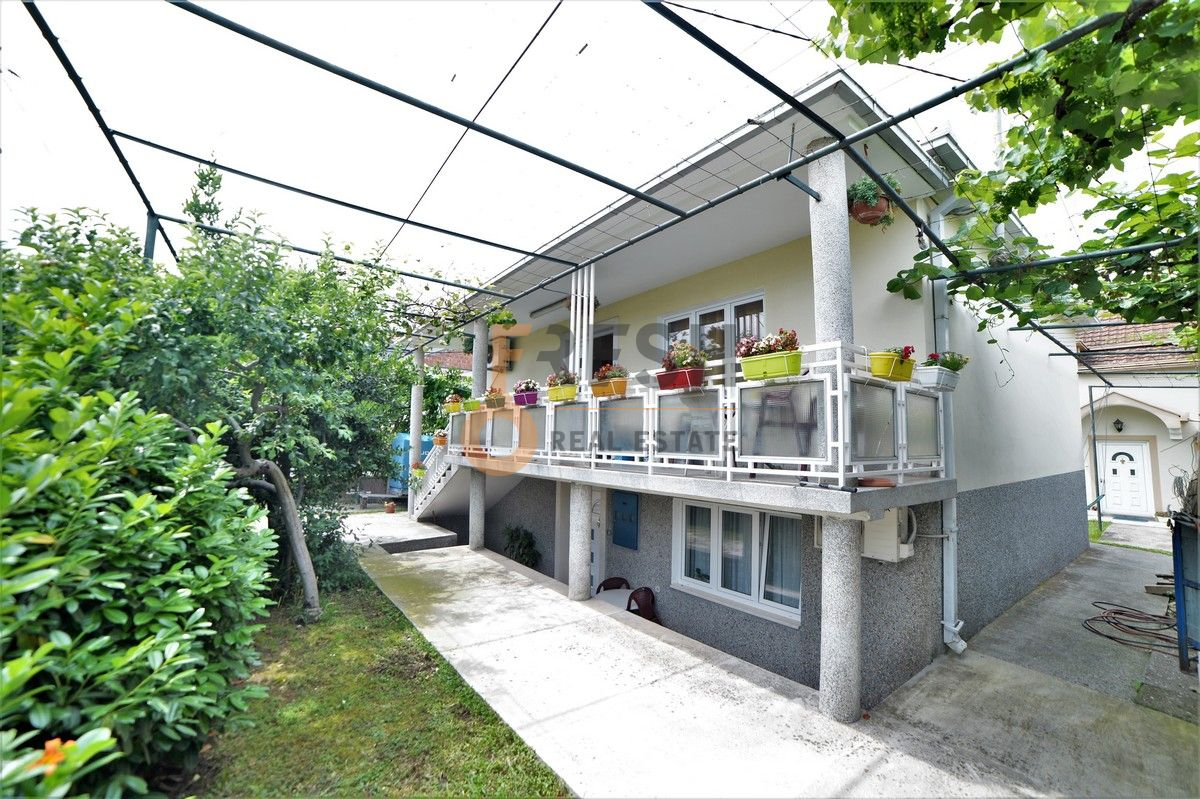 Kuća 100 m2, Zagorič, Izdavanje - 1