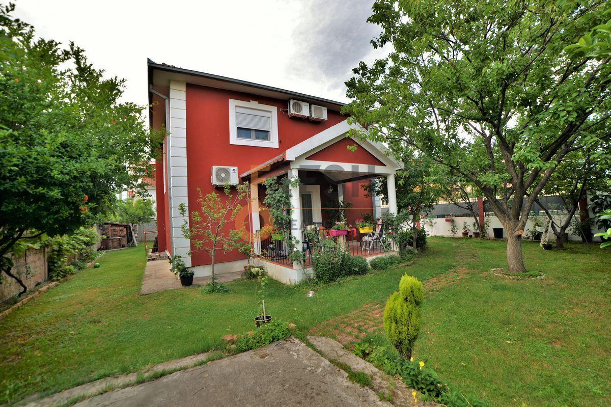 Kuća, 120 m2, Blok 9, Izdavanje - 1