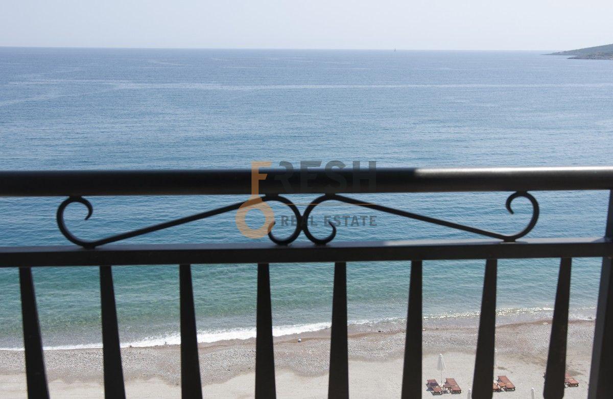 Lux garsonjera, 30m2, Luštica Bay, prva linija do mora - 1