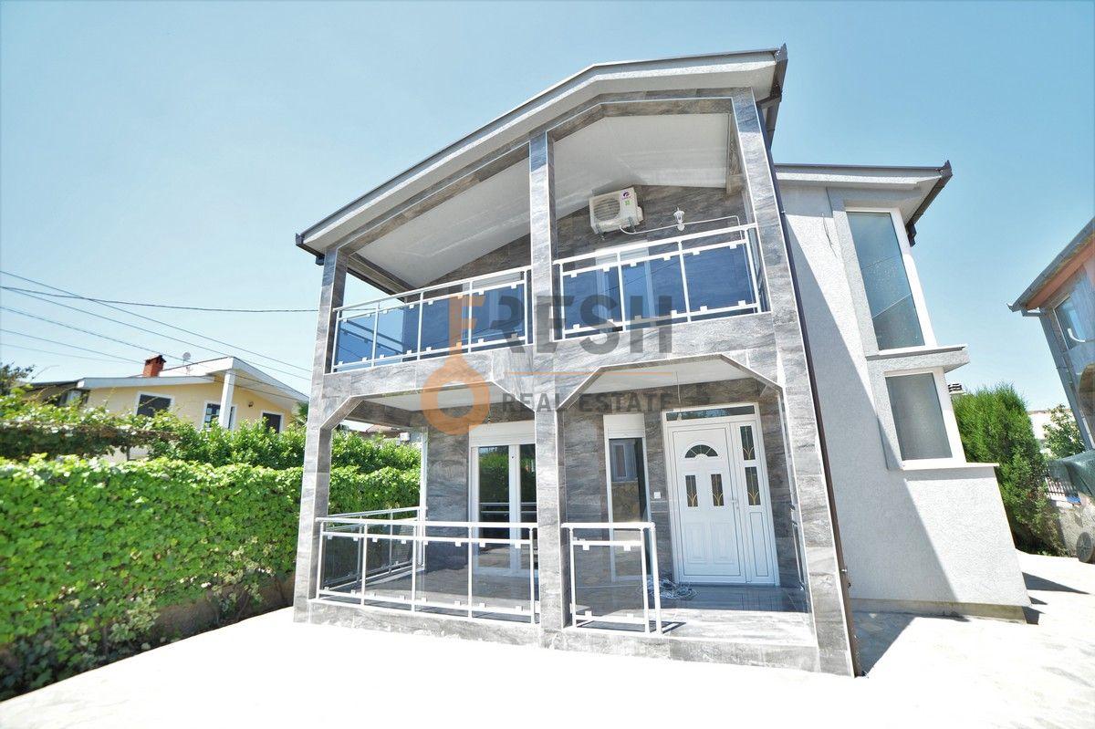 Kuća, 180 m2, Zabjelo, Izdavanje - 1