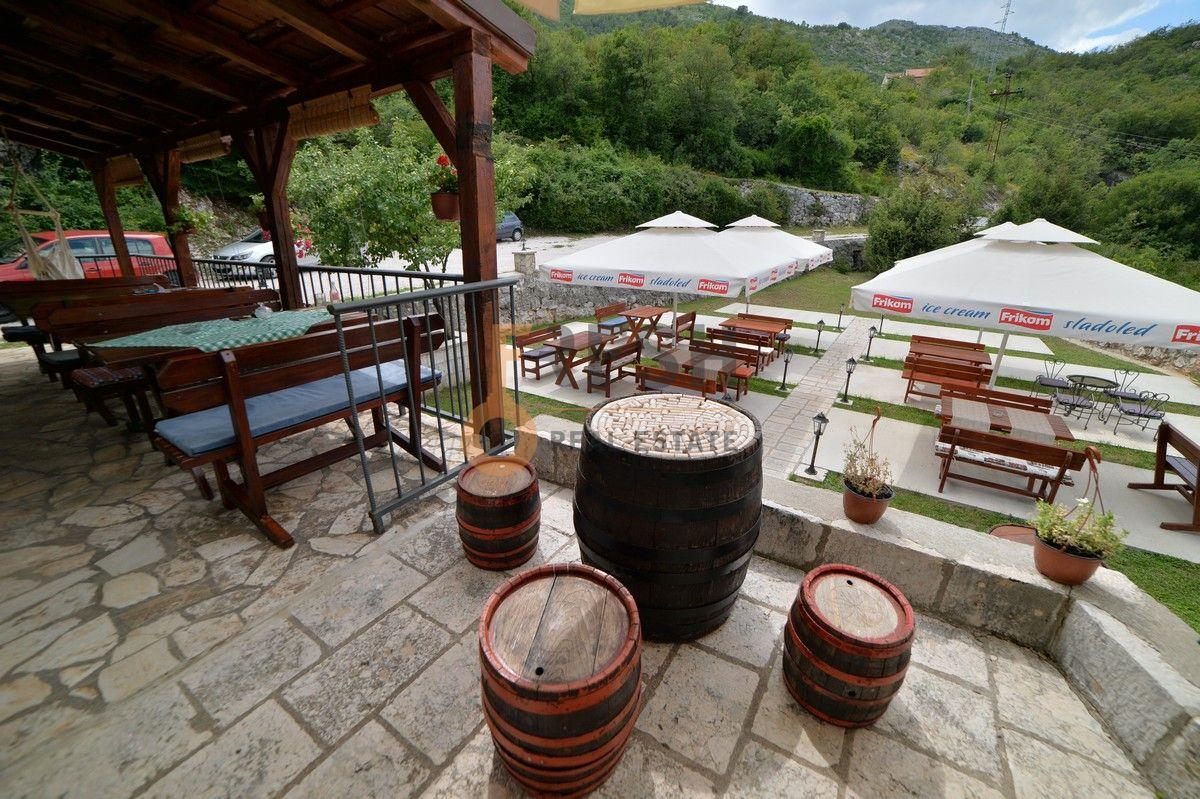 Kuća / restoran sa apartmanom, 104 m2, Cetinje, prodaja - 14