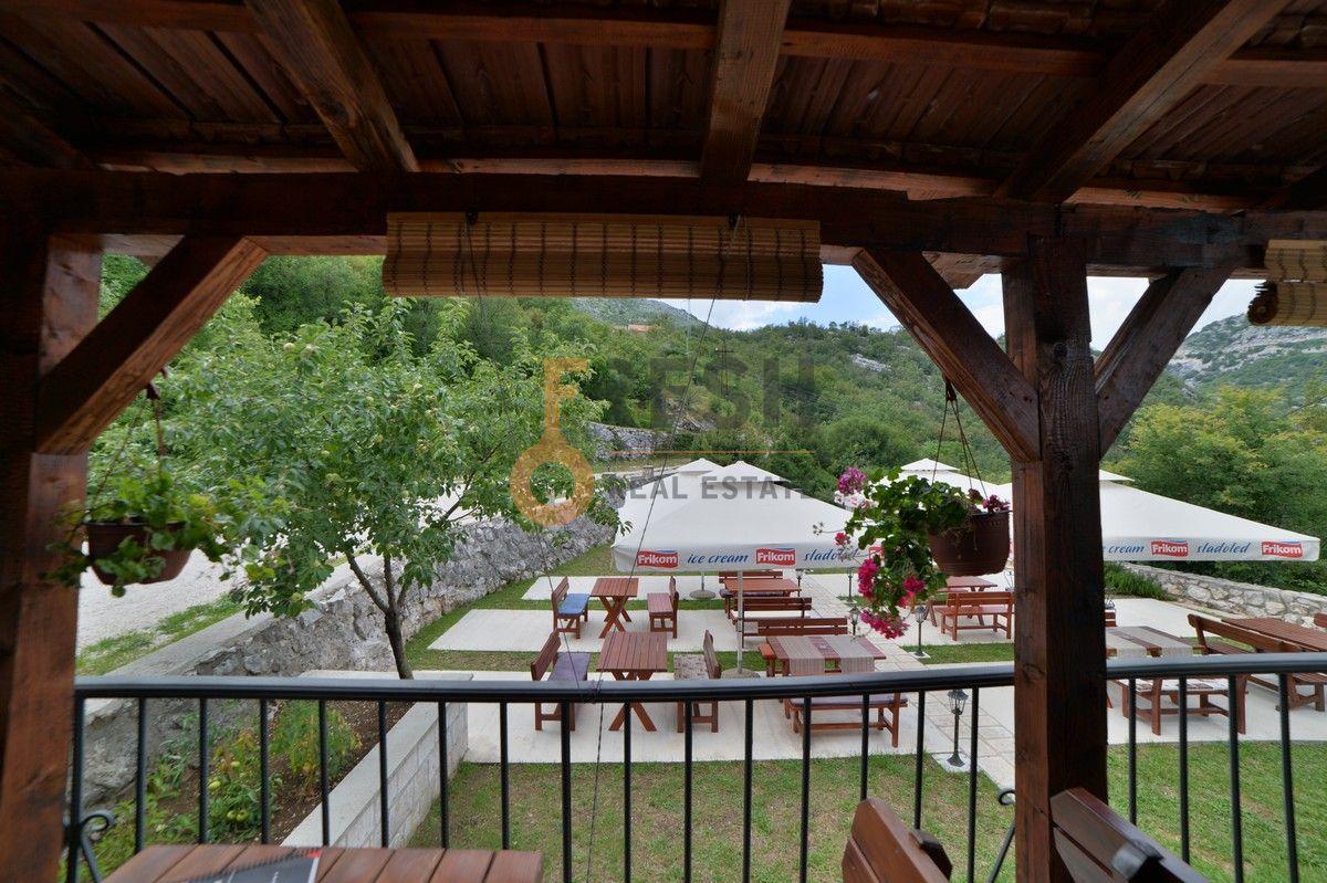 Kuća / restoran sa apartmanom, 104 m2, Cetinje, prodaja - 17