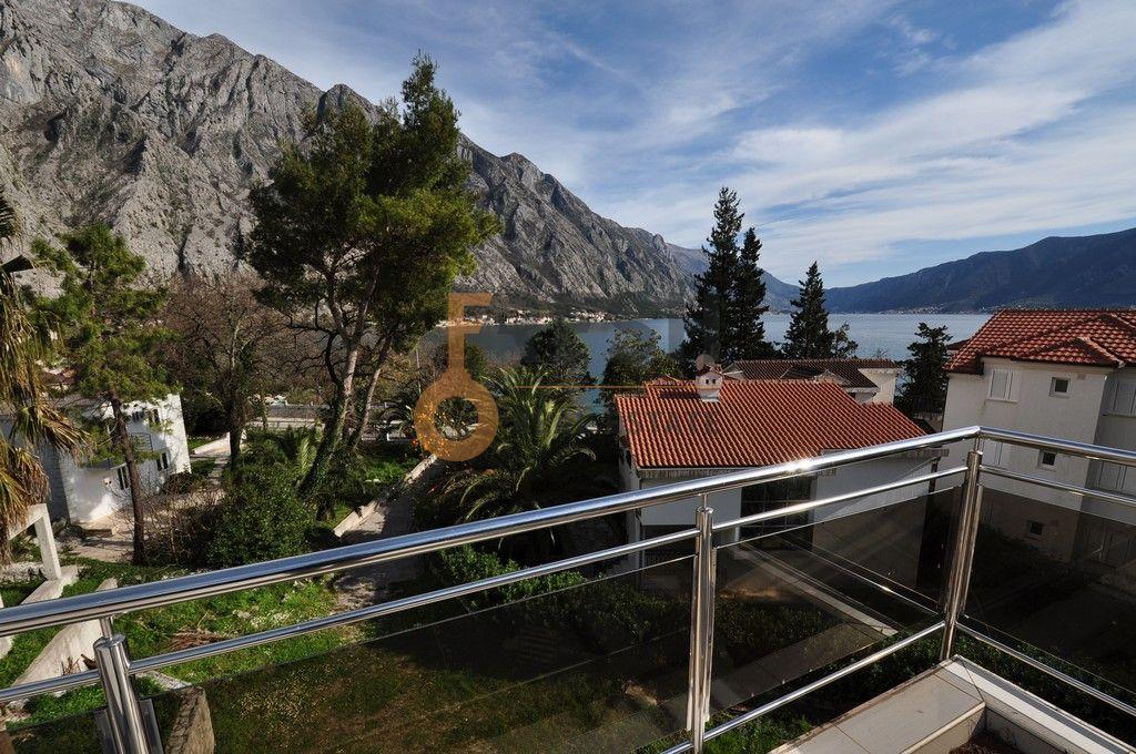 Mini hotel sa 7 apartmana i velikim dvorištem, 900 m2, Orahovac - Kotor, Prodaja - 1