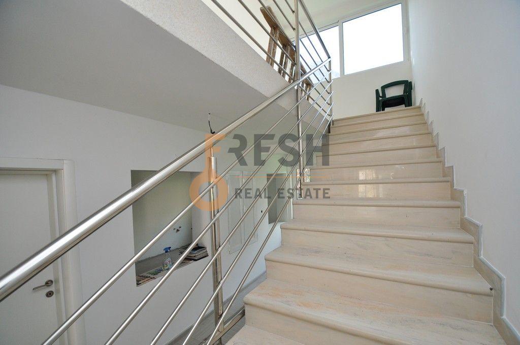 Mini hotel sa 7 apartmana i velikim dvorištem, 900 m2, Orahovac - Kotor, Prodaja - 10