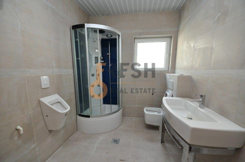 Mini hotel sa 7 apartmana i velikim dvorištem, 900 m2, Orahovac - Kotor, Prodaja - 12