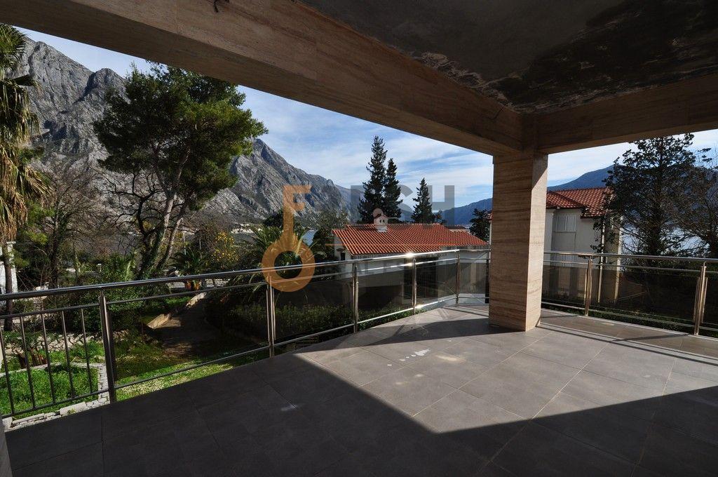 Mini hotel sa 7 apartmana i velikim dvorištem, 900 m2, Orahovac - Kotor, Prodaja - 14