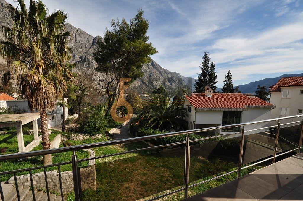 Mini hotel sa 7 apartmana i velikim dvorištem, 900 m2, Orahovac - Kotor, Prodaja - 15