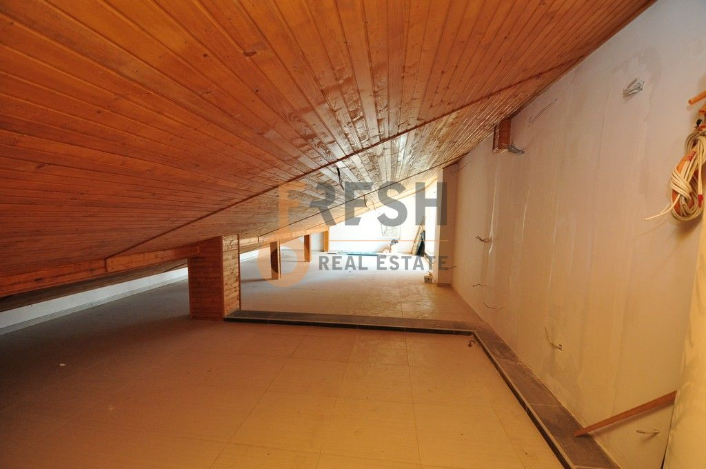 Mini hotel sa 7 apartmana i velikim dvorištem, 900 m2, Orahovac - Kotor, Prodaja - 17