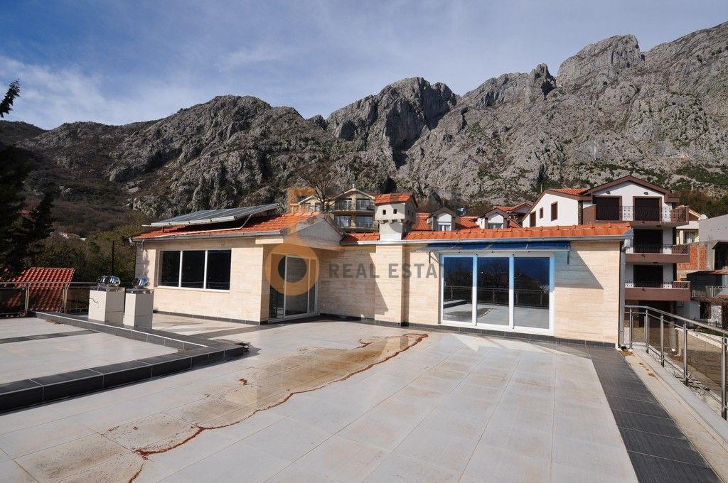 Mini hotel sa 7 apartmana i velikim dvorištem, 900 m2, Orahovac - Kotor, Prodaja - 20