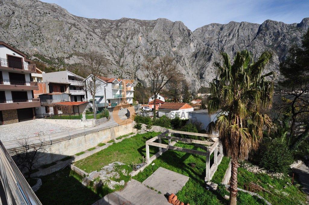 Mini hotel sa 7 apartmana i velikim dvorištem, 900 m2, Orahovac - Kotor, Prodaja - 22