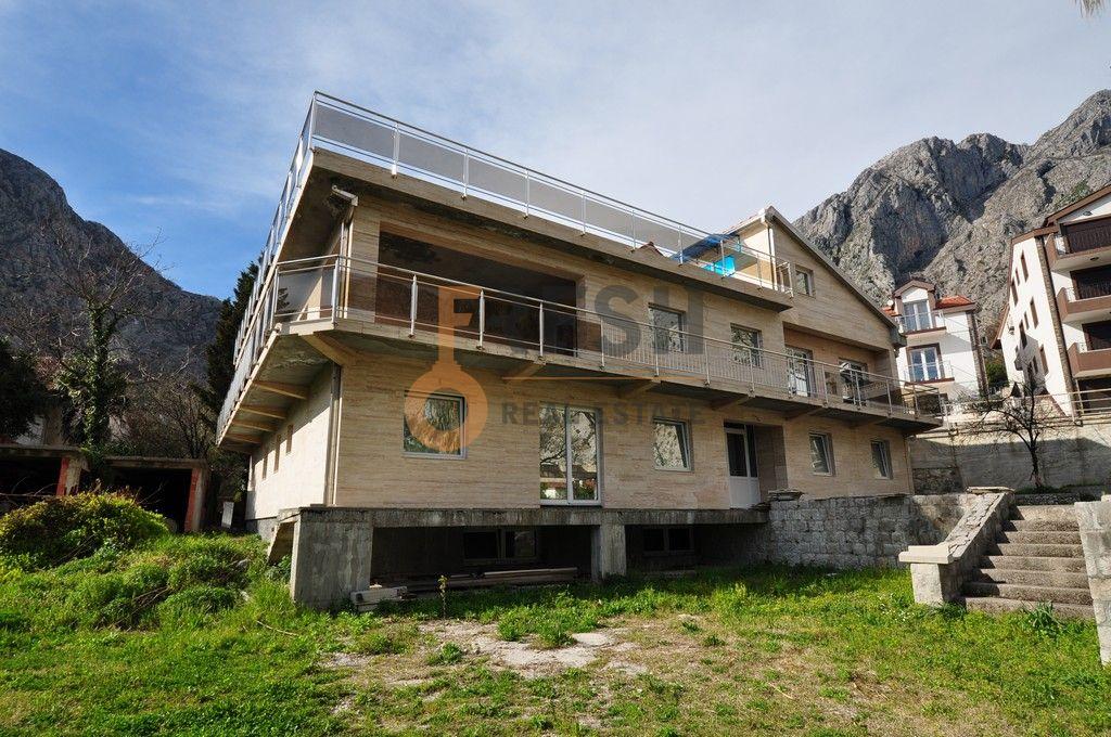Mini hotel sa 7 apartmana i velikim dvorištem, 900 m2, Orahovac - Kotor, Prodaja - 3
