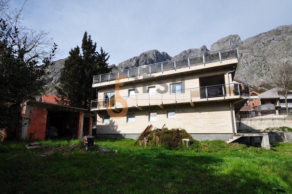 Mini hotel sa 7 apartmana i velikim dvorištem, 900 m2, Orahovac - Kotor, Prodaja - 4