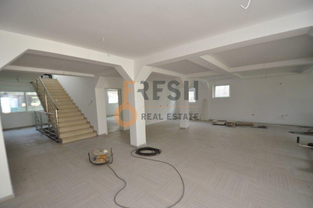 Mini hotel sa 7 apartmana i velikim dvorištem, 900 m2, Orahovac - Kotor, Prodaja - 7