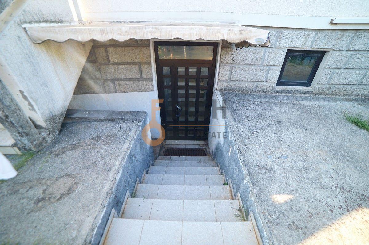 Poslovni prostor, 75m2, Dalmatinska, Izdavanje - 1