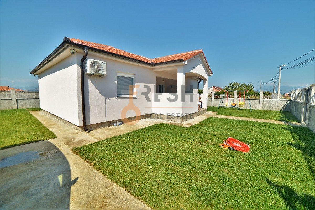 Kuća, 110m2 na placu od 400m2, Karabuško polje - Tuzi, Prodaja - 1