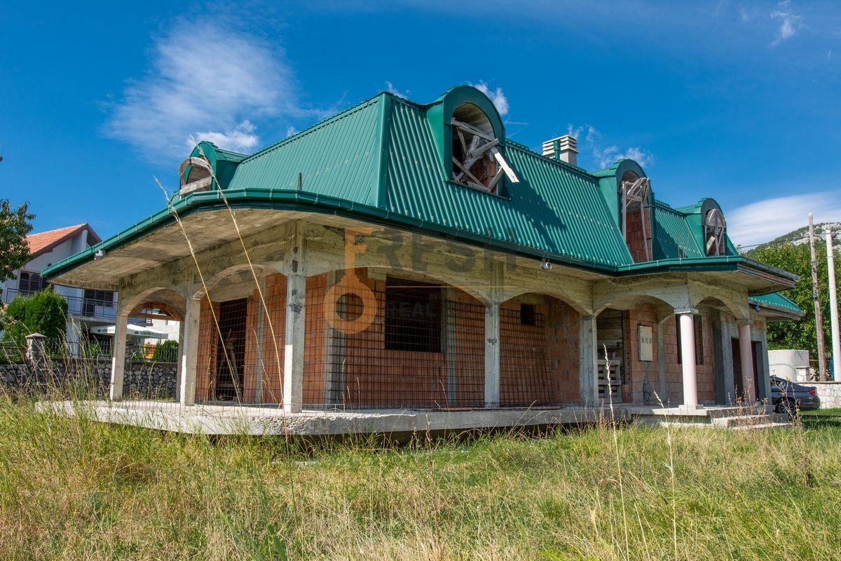Kuća  530m2 + kuća 90m2, Humci - Cetinje, Prodaja - 6