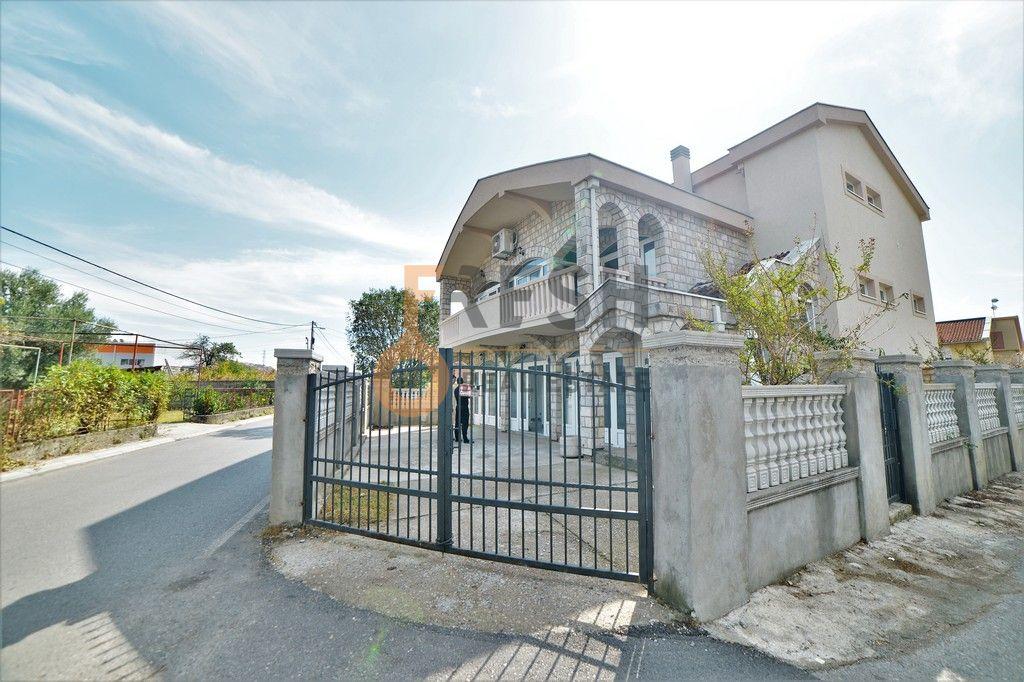 Kuća, 400m2, Dalmatinska, Prodaja - 1