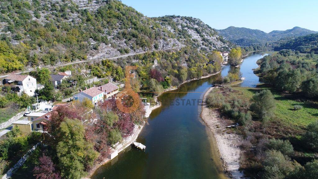 Kaskadno imanje, 77.777m2, Rijeka Crnojevića, Prodaja - 1