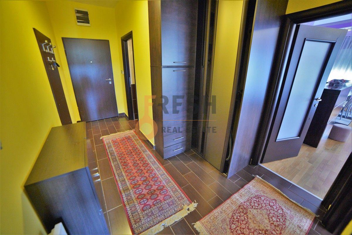 Lux dvosoban namješten stan, 72m2, Obala Morače, izdavanje - 1
