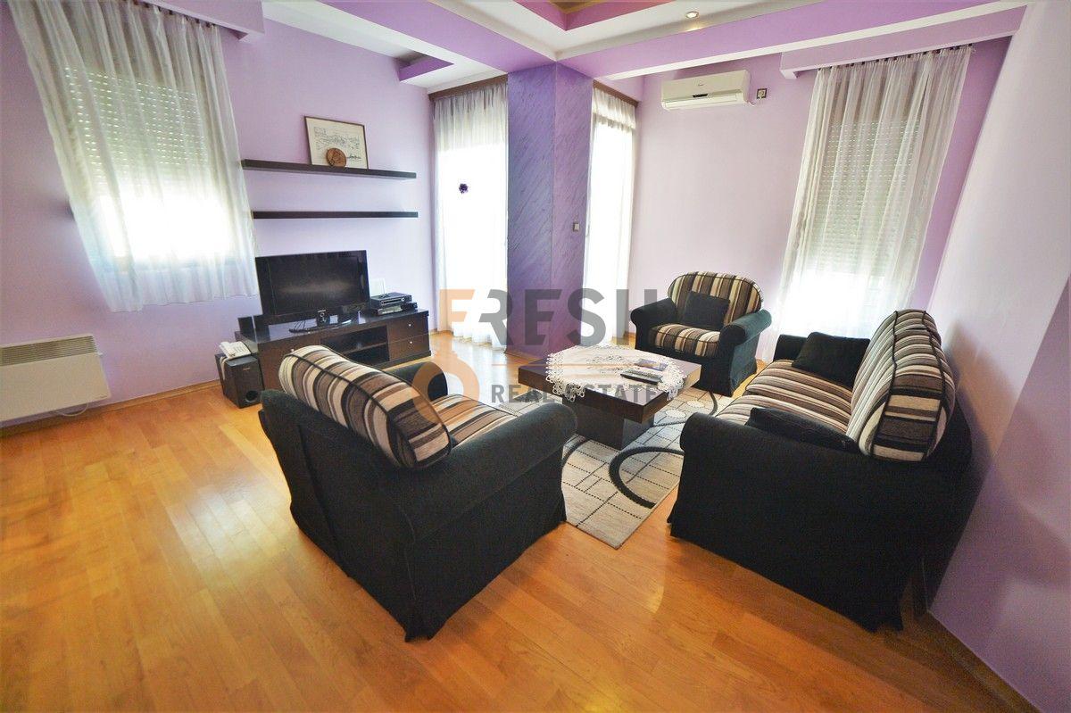 Lux dvosoban namješten stan, 72m2, Obala Morače, izdavanje - 2