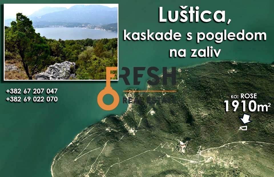 Plac na Luštici sa pogledom na more i Herceg Novi 1