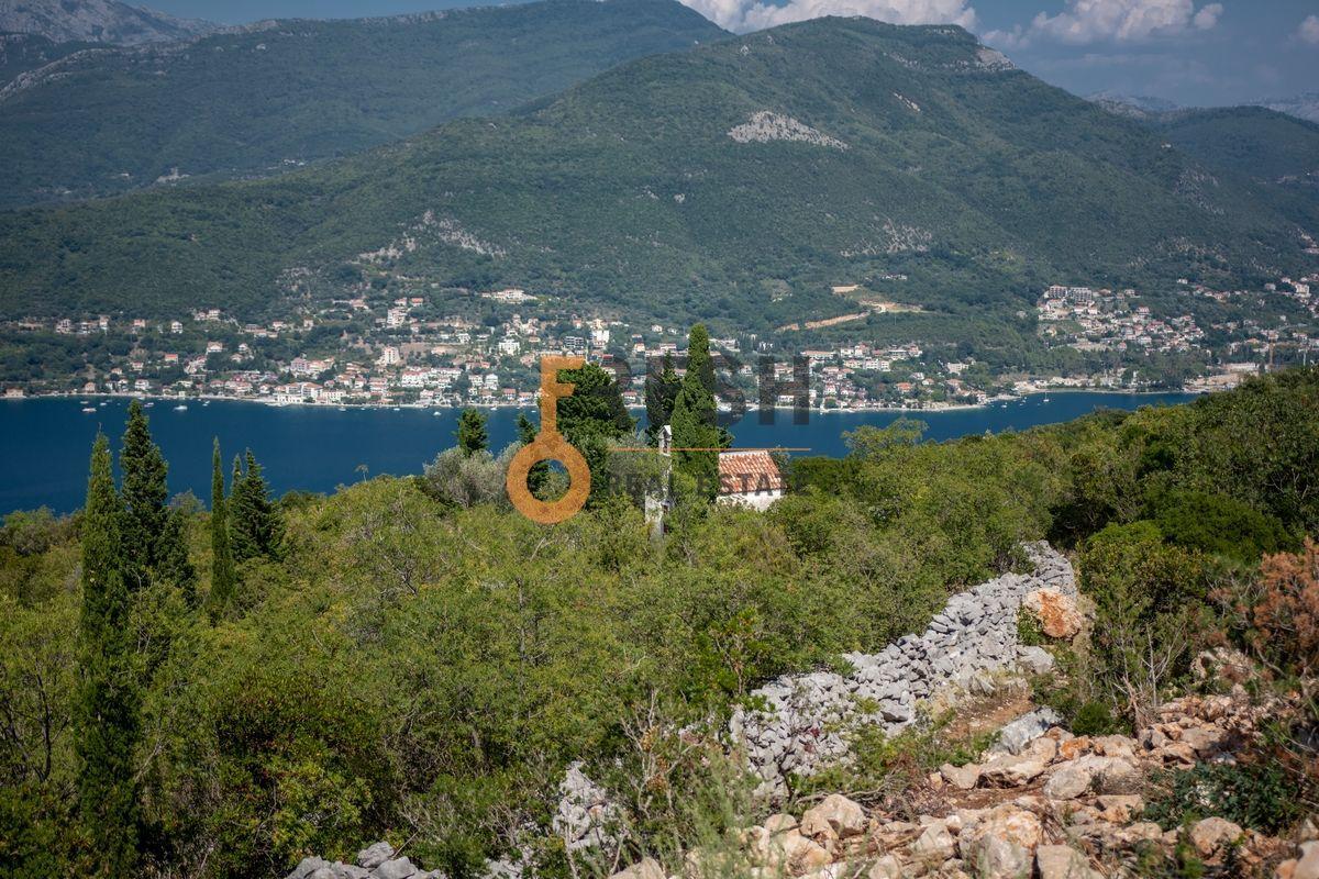 Plac na Luštici sa pogledom na more i Herceg Novi - 11