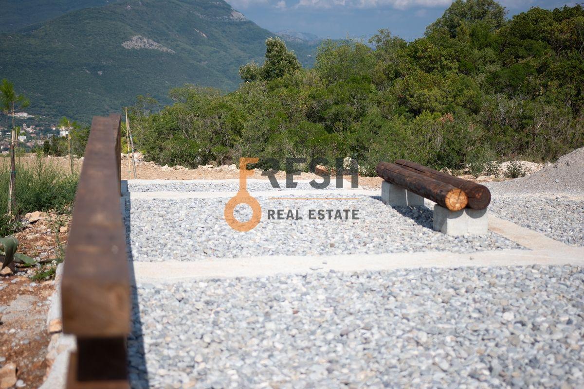 Plac na Luštici sa pogledom na more i Herceg Novi - 13
