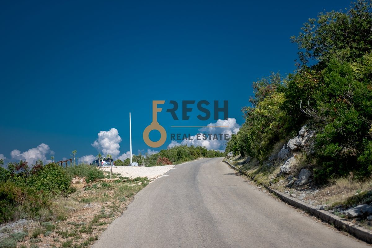 Plac na Luštici sa pogledom na more i Herceg Novi - 14