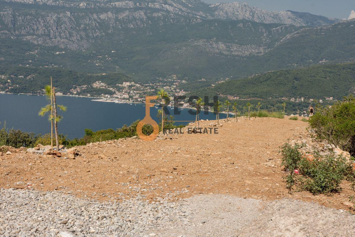 Plac na Luštici sa pogledom na more i Herceg Novi - 4