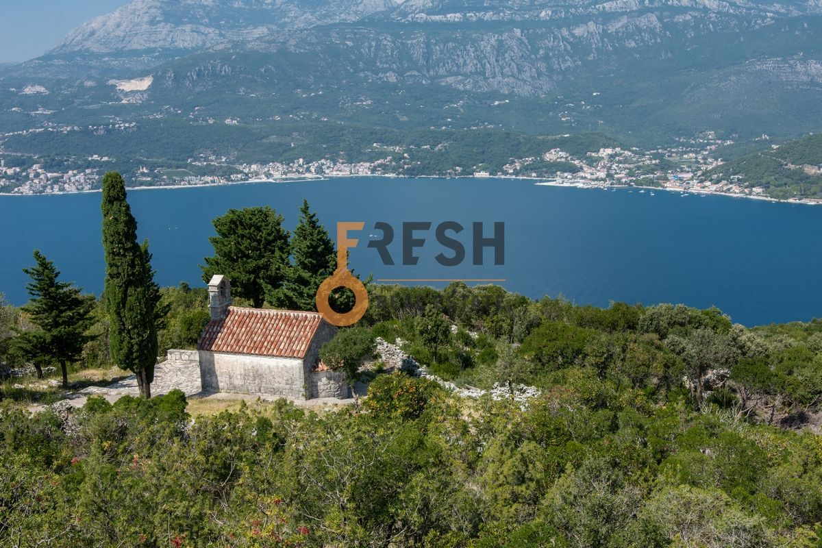 Plac na Luštici sa pogledom na more i Herceg Novi - 5