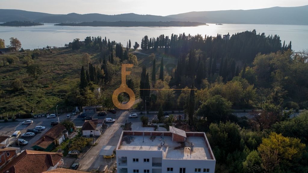 Garsonjera, 28m2, Tivat, Prodaja - 1