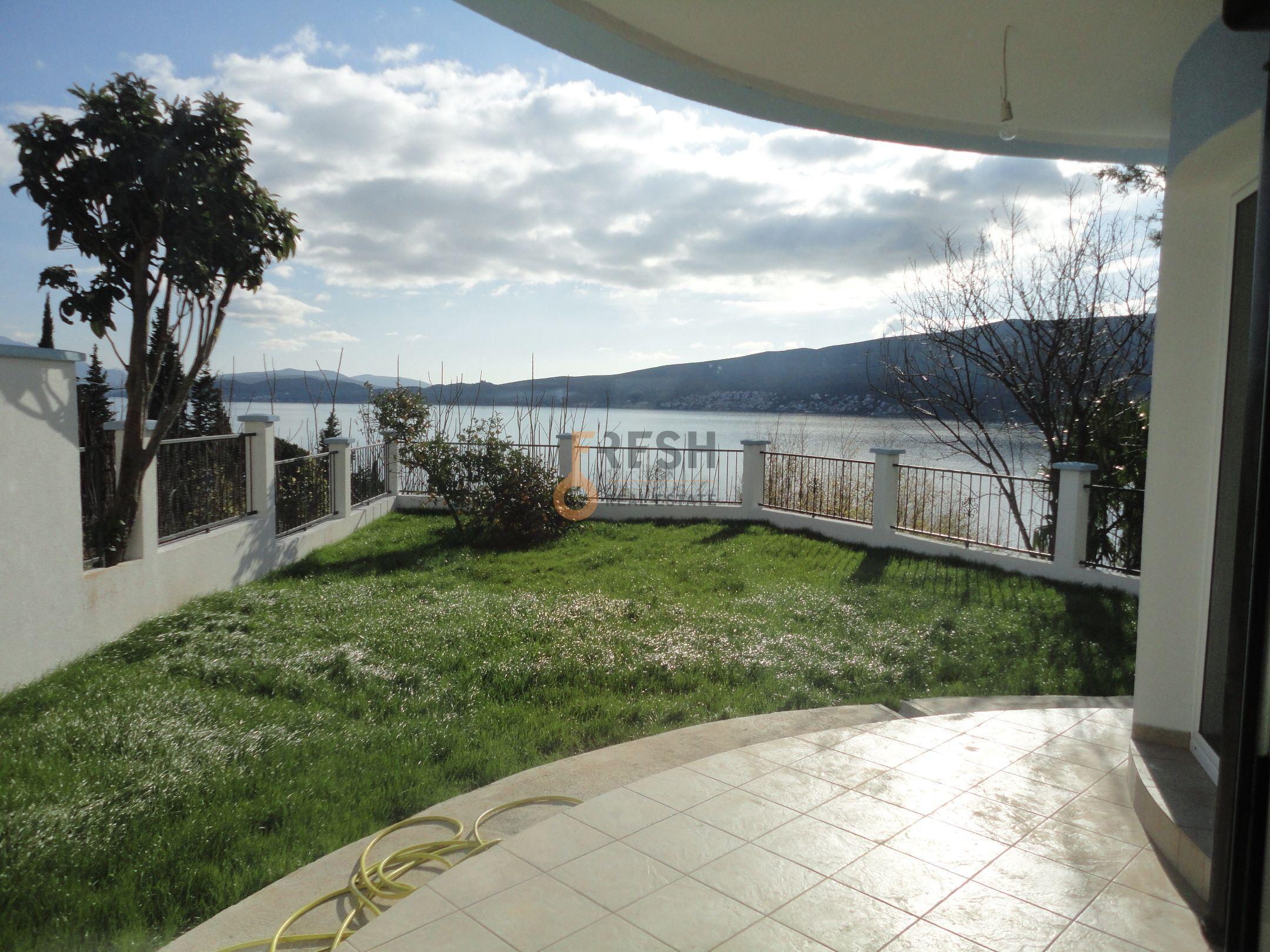 Vila sa pogledom na more, 180m2, Baošići - Herceg Novi, Prodaja 1